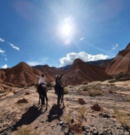 El Lejano Oeste Tilcareño: Cabalgata a los Castillos de Huichaira